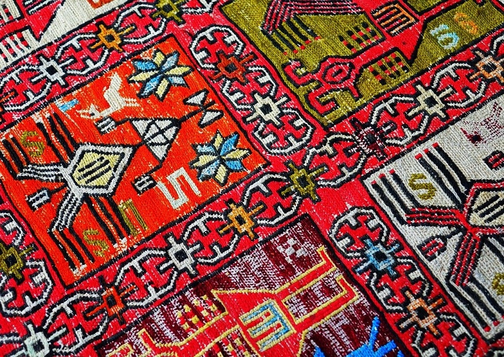 Different Types of Oriental Rugs and Their Uses