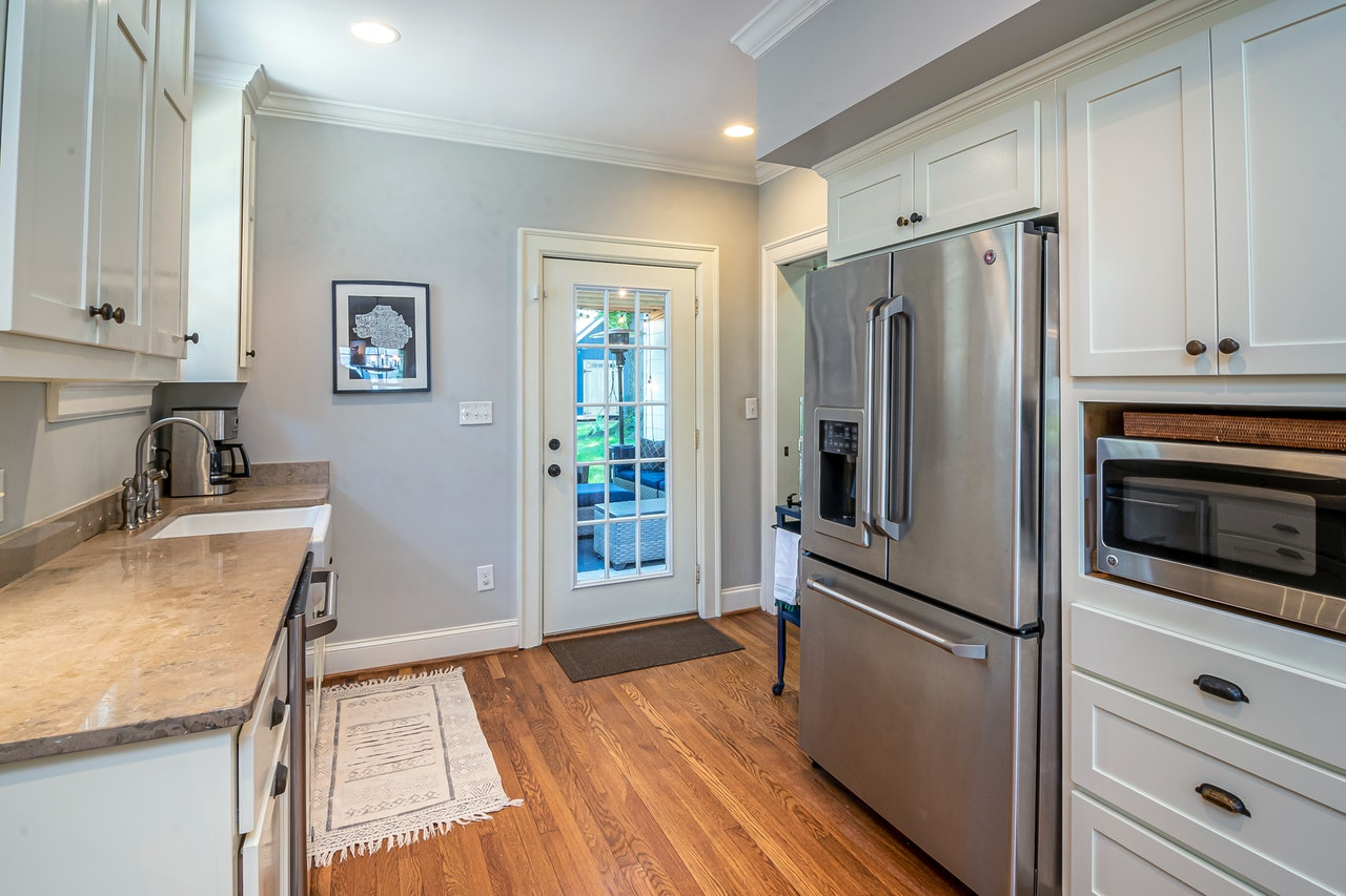 Using Small Kitchen Throw Rugs