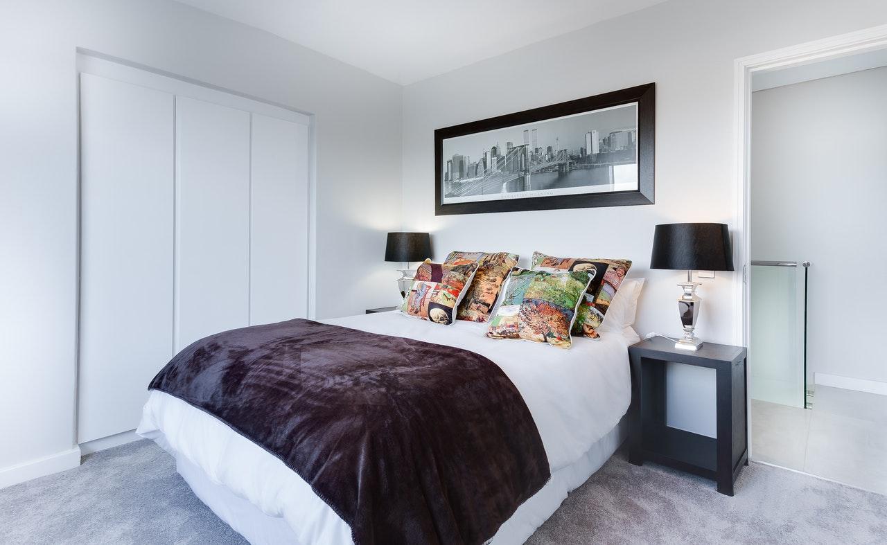 Throw Rug in Bedroom Idea
