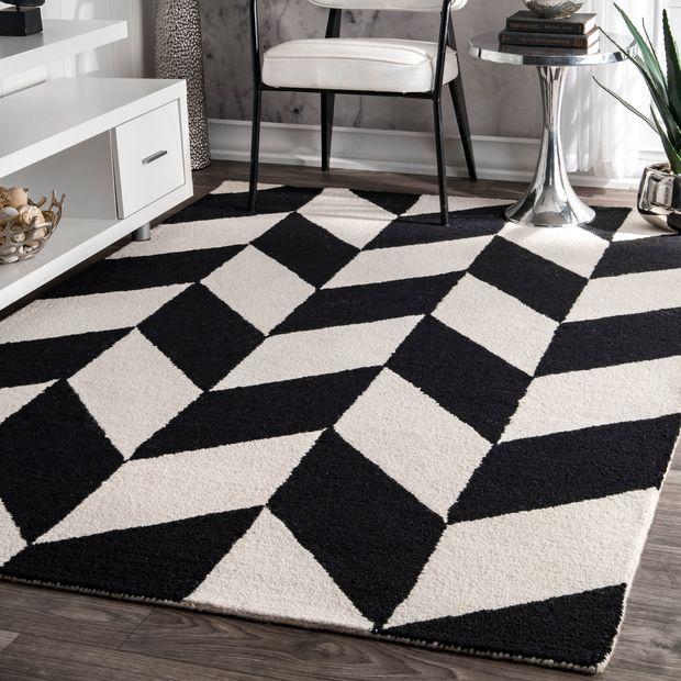 Black and White Retro Checker Tiles Area Rug