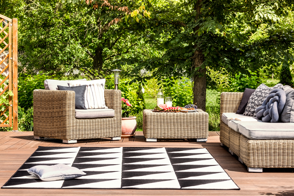Black and white outdoor area rug