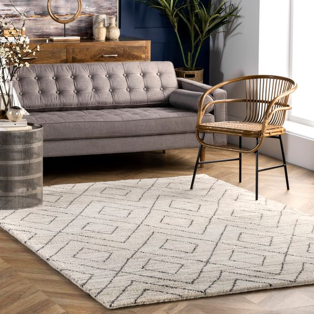 Beige Hand Knotted Double Diamond Helix Area Rug