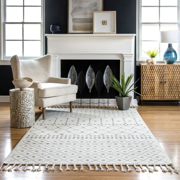 Ivory Woolen Modern Trellis Area Rug